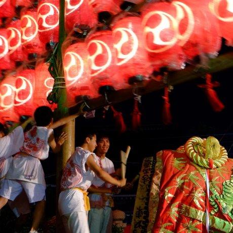 Фестиваль Дайгаку в храме Икунэ