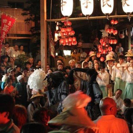 Фестивалфонарей в Нодзава Онсэн