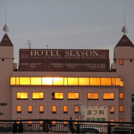 Отель Season в Мито